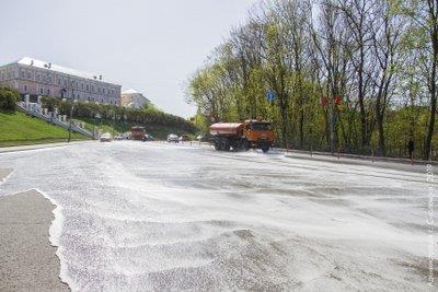 В Смоленске впервые использовали шампунь при промывке дорог • Портал Дороги России •