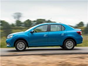 Renault Logan 2014 вид сбоку